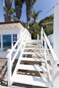 Beach House 15-32.jpg