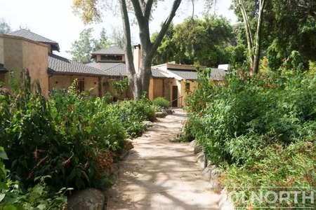 Garden 03-254.jpg