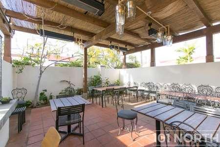 Restaurant 07-26.jpg