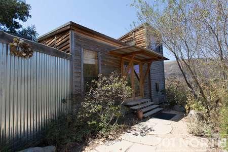Cabin 02-7.jpg