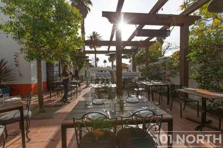 Restaurant 07-25.jpg
