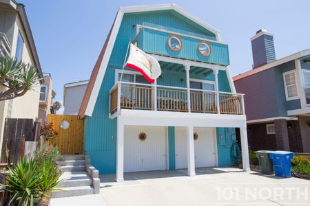Beach House 02-35.jpg