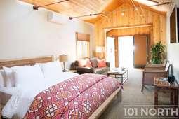 Cabin 01-3.jpg