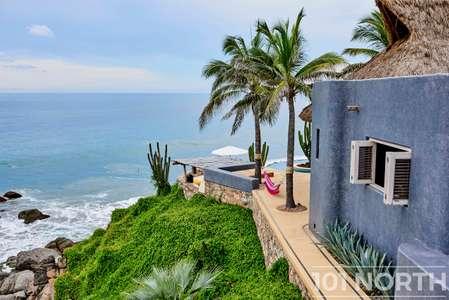 Beach House 15-50.jpg