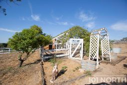 Farmhouse 07-2.jpg