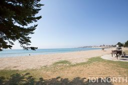Beach 08-5.jpg