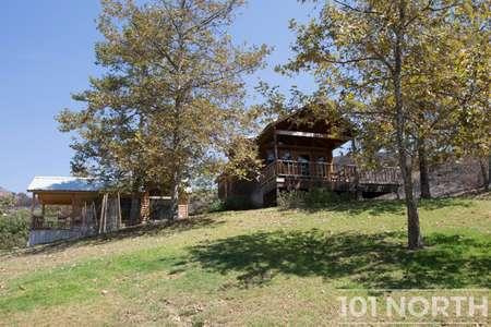 Cabin 02-45.jpg