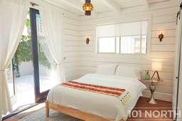 Beach House 09_04.jpg