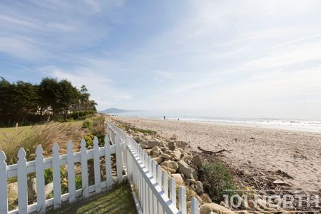 Beach House 14-18.jpg