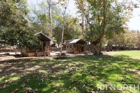 Cabin 02-40.jpg