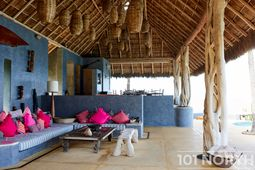 Beach House 15-27.jpg