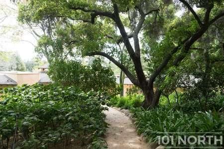 Garden 03-102.jpg