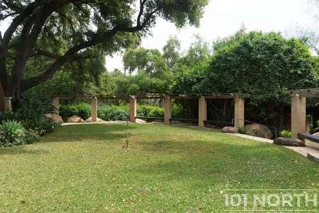 Garden 03-206.jpg