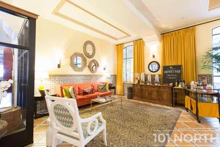 Hotel 10-10.jpg