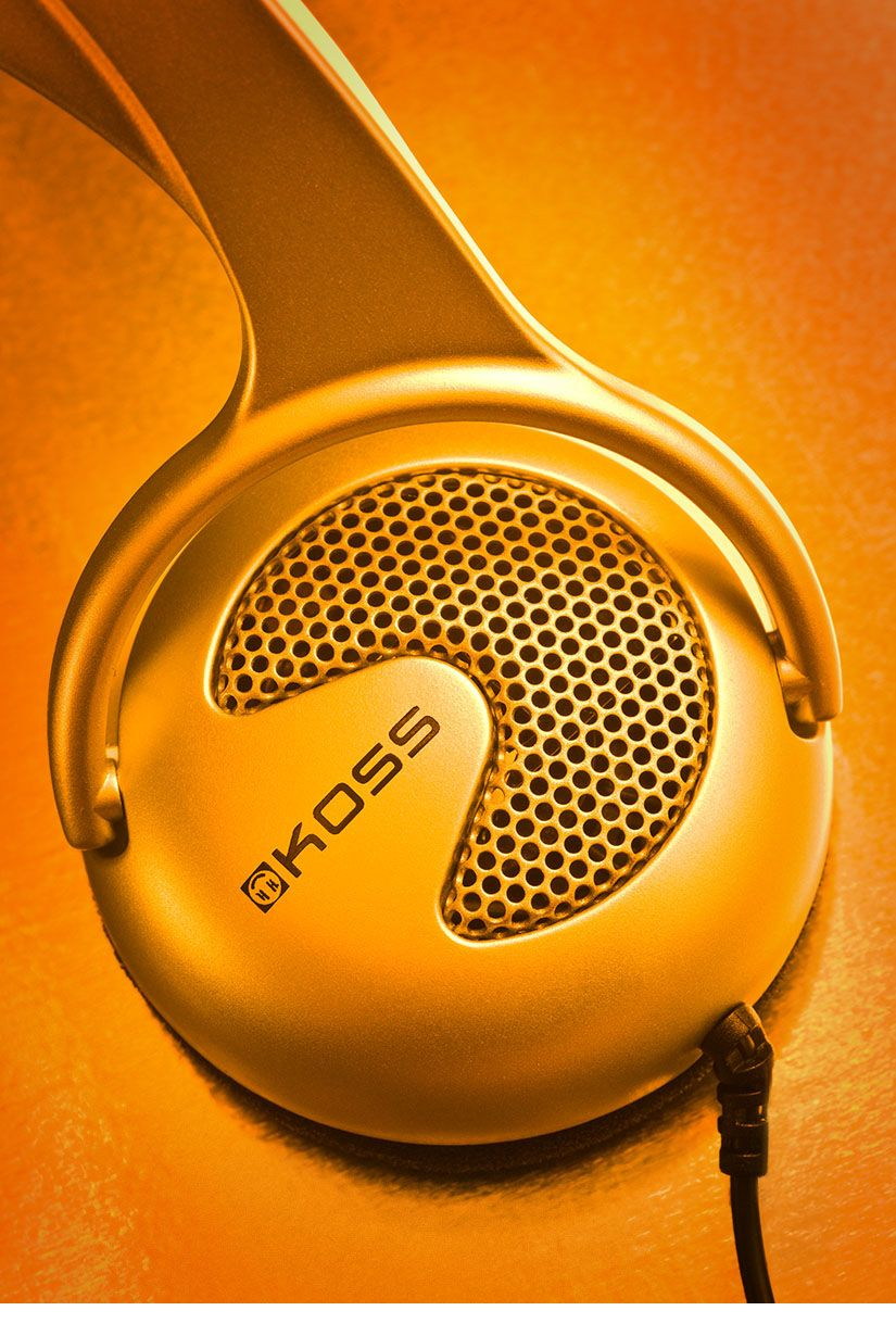 Product photography of headphones