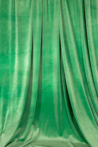 green curtains (2014)