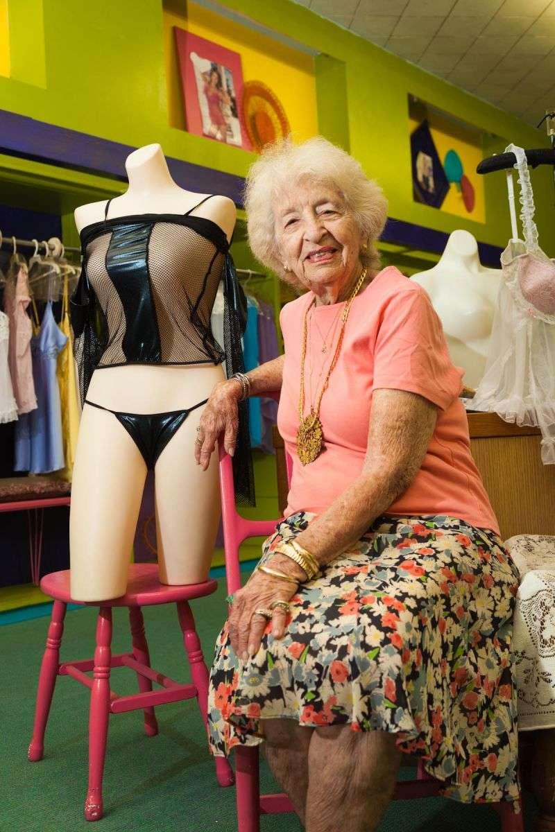 Melinas Melinas LIngerie Store