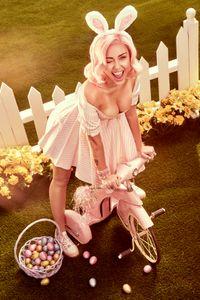 02_Miley_0145_V1_R1.jpg