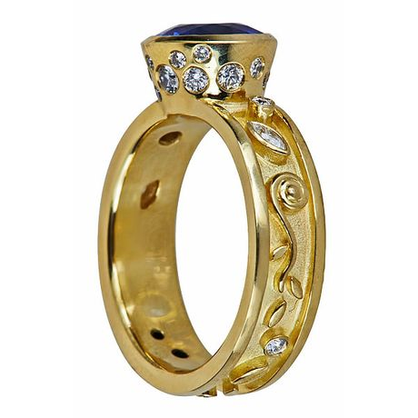SIDE VIEW SAPPHIRE RING