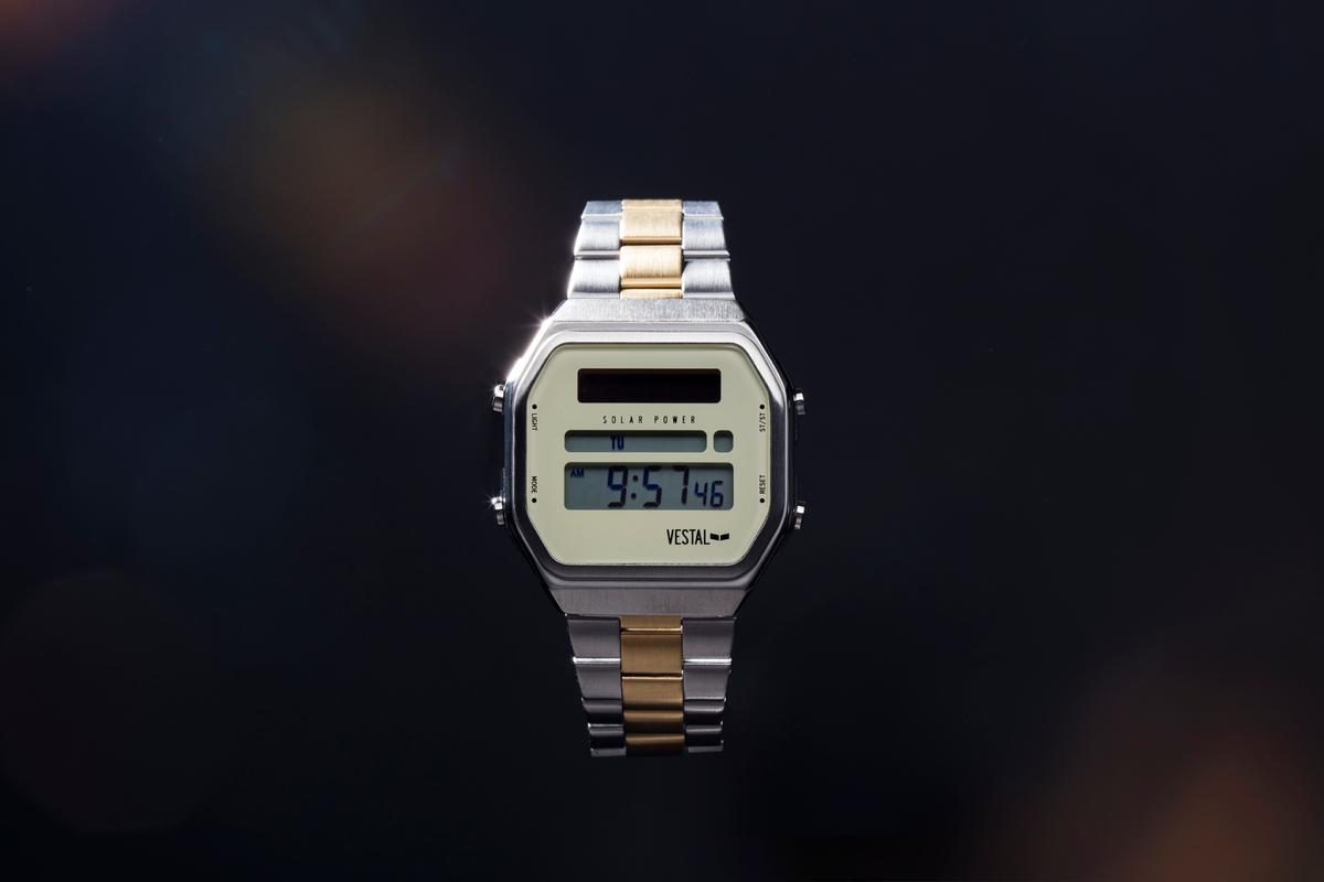 vestal_watch_3.jpg