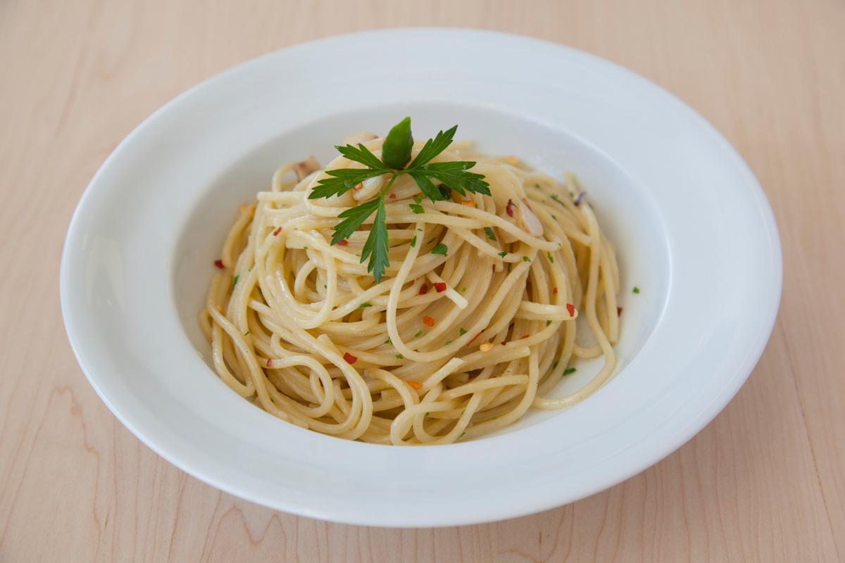 spaghetti_aglio_olio_e_peperoncino.jpg