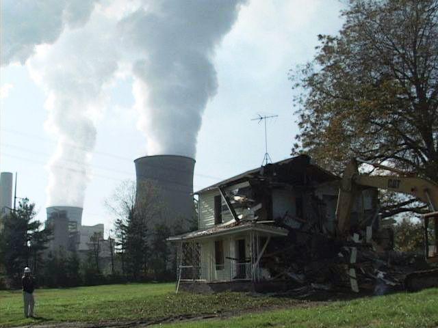Bulldozing of house, Cheshire, Ohio.jpg