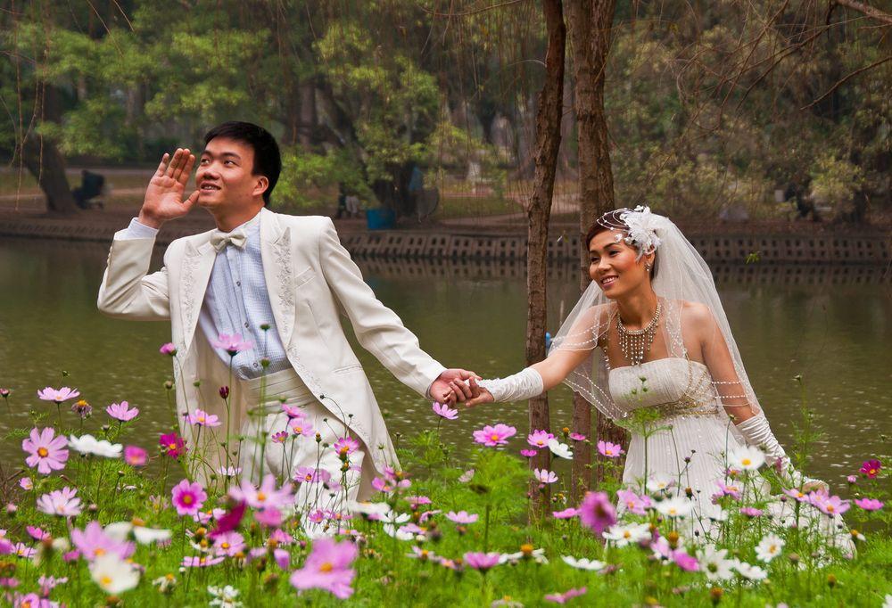 Married Couple, Botanical Gardens, Hanoi, Vietnam