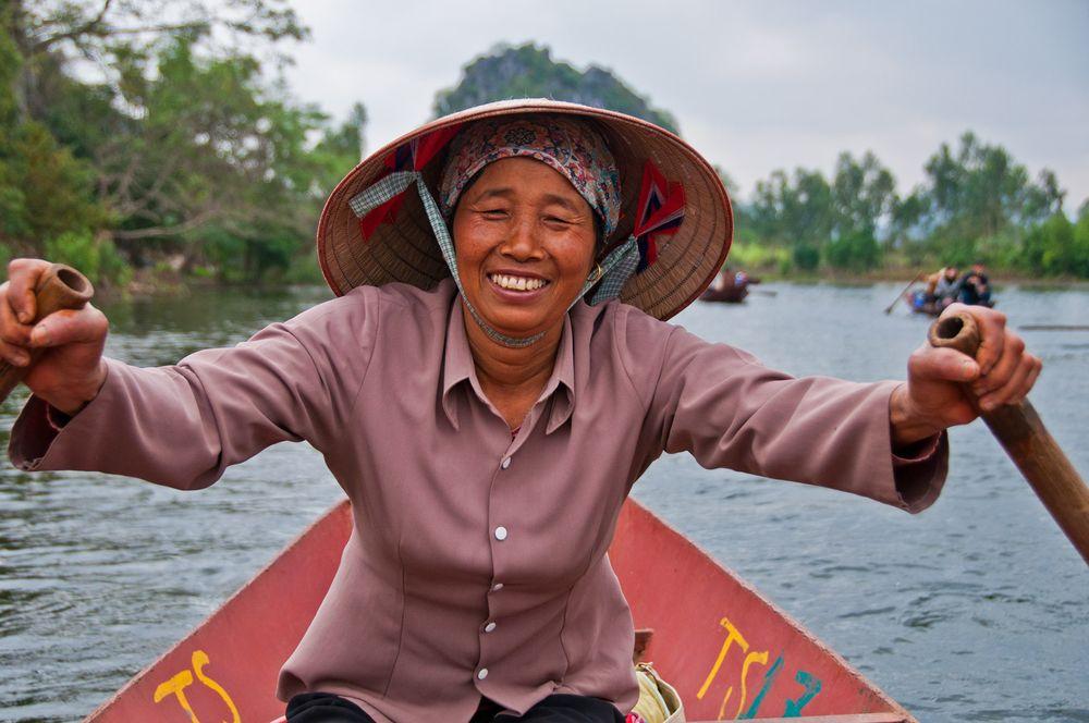 Oarswomen, Perfume Pagoda, Northern Vietnam
