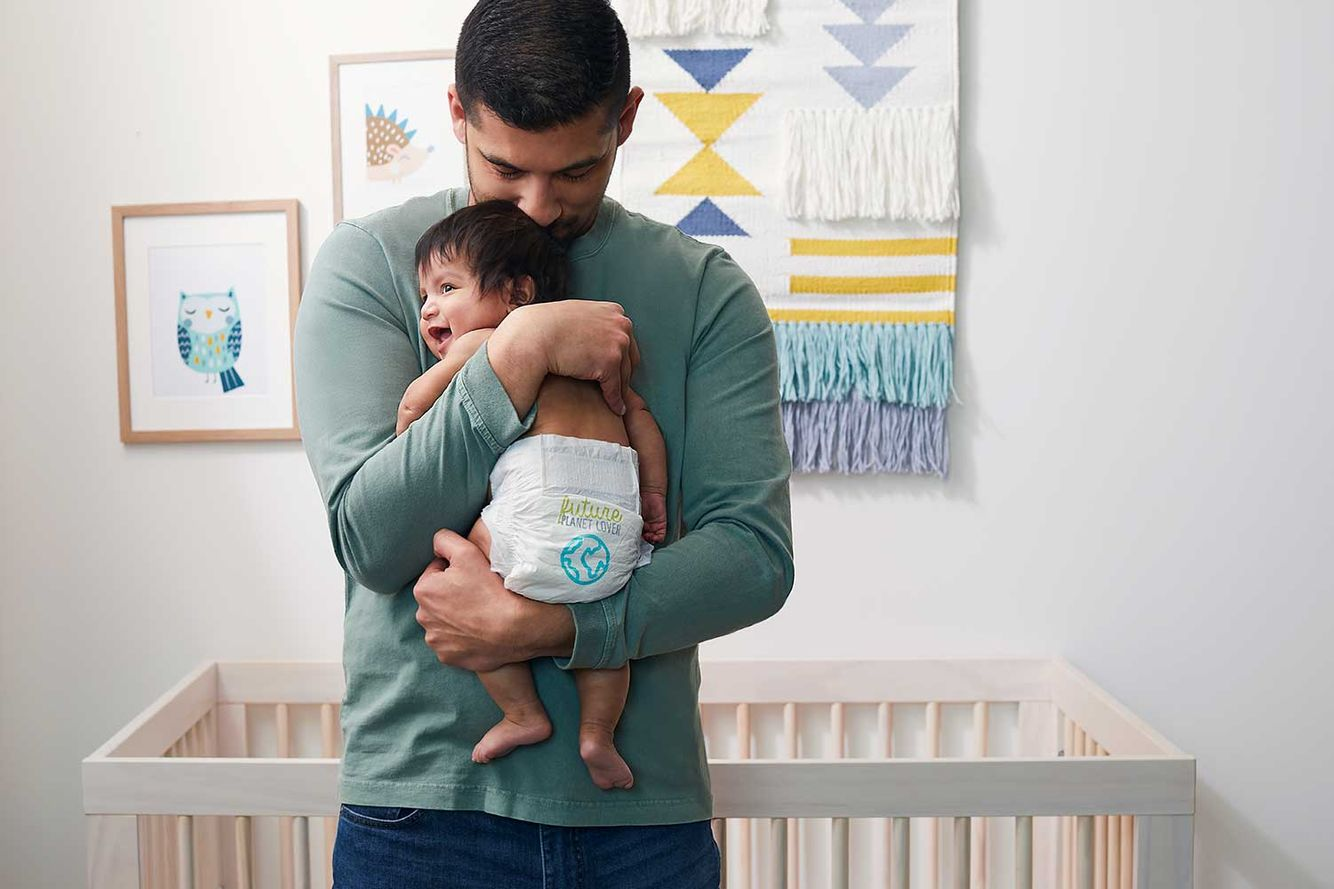 2020-Baby-DiaperStage3-BabyAParentHolding-704.jpg