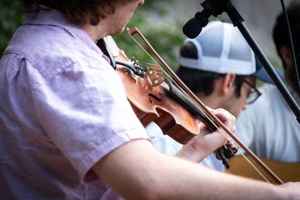 Pretty Saro fiddle.
