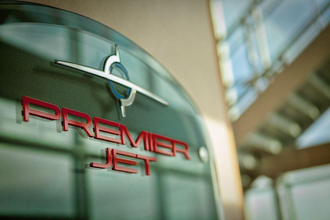 Premier Jet