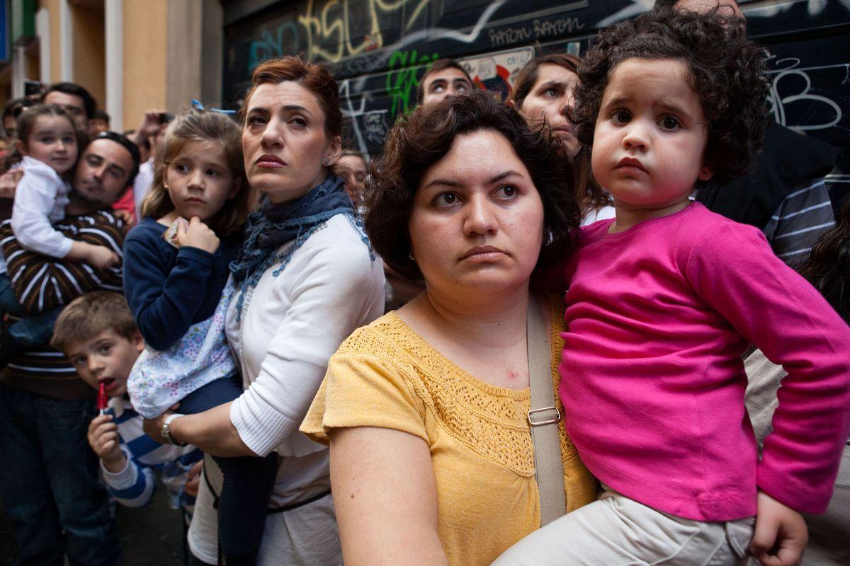 Mothers & Children • Seville 2011