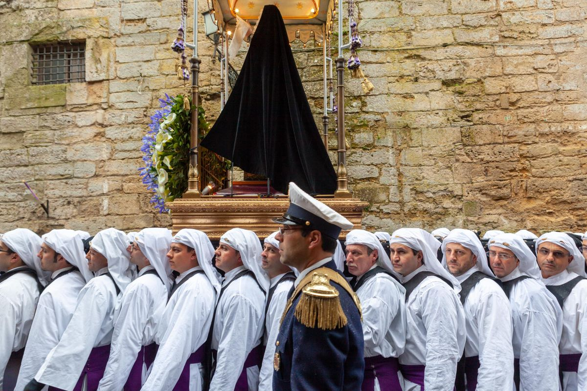 The_Processions_05.jpg
