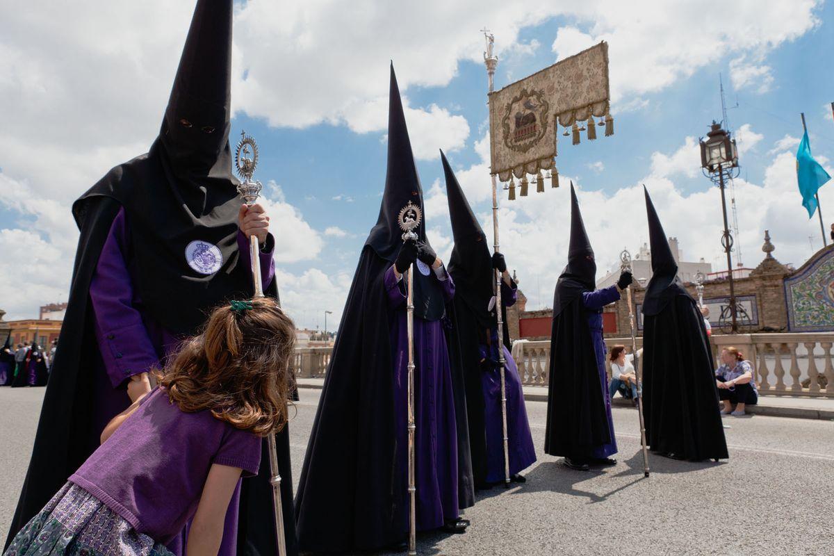 Peek-a-boo • Seville 2011