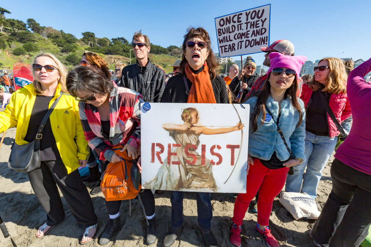Ocean Beach Resist Protest_01.jpg