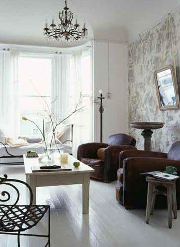23_0_12_1AHom_white_livingroom.jpg