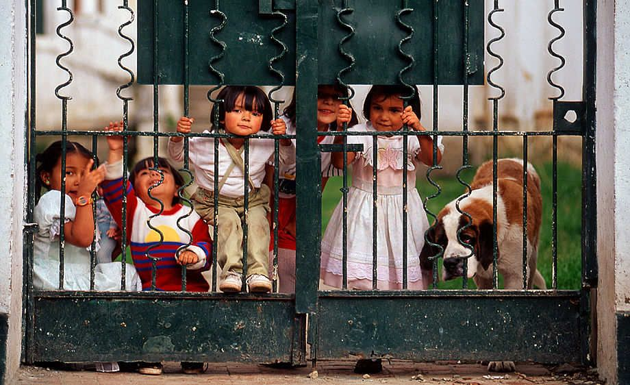 children at the gate Bogata Columbia