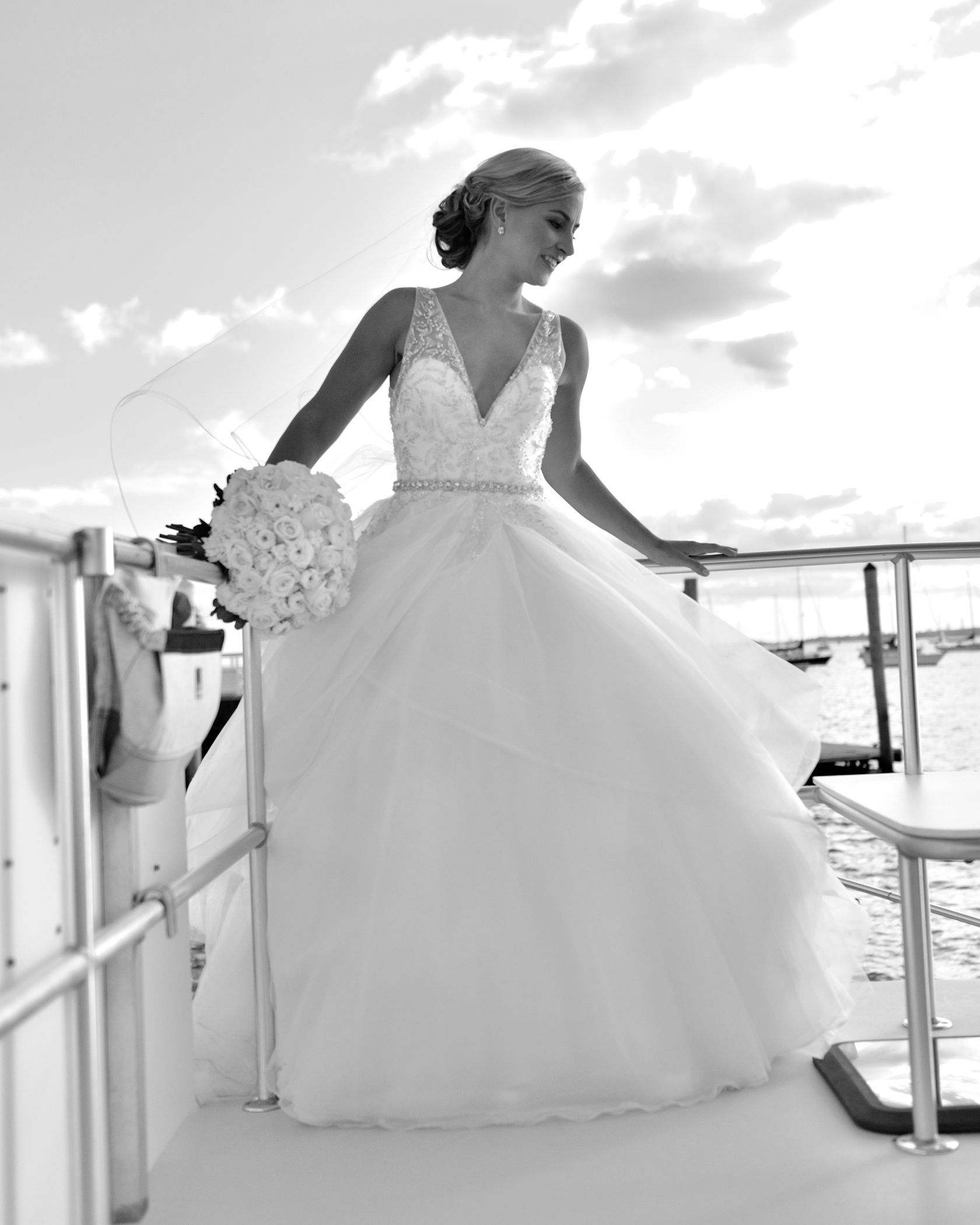 An American Yacht Club Bridal and Her Bouquet