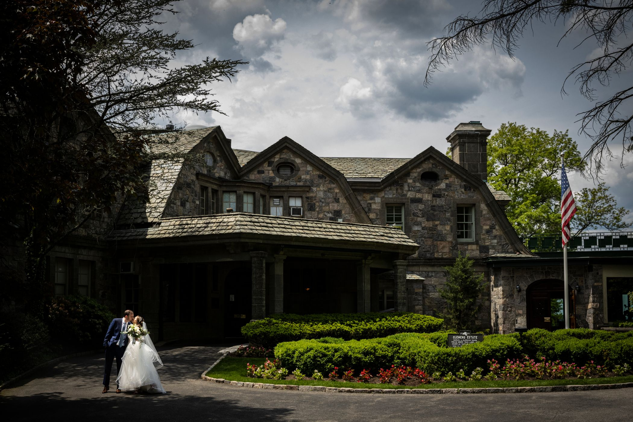 Portraits From A Spring Wedding At Tappan Hill.