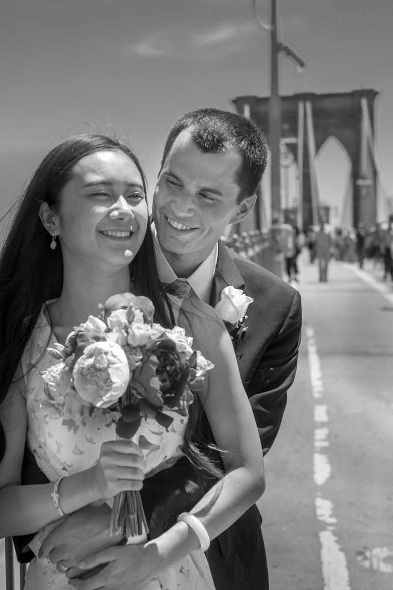 NewlyWeds At The Brooklyn Bridge