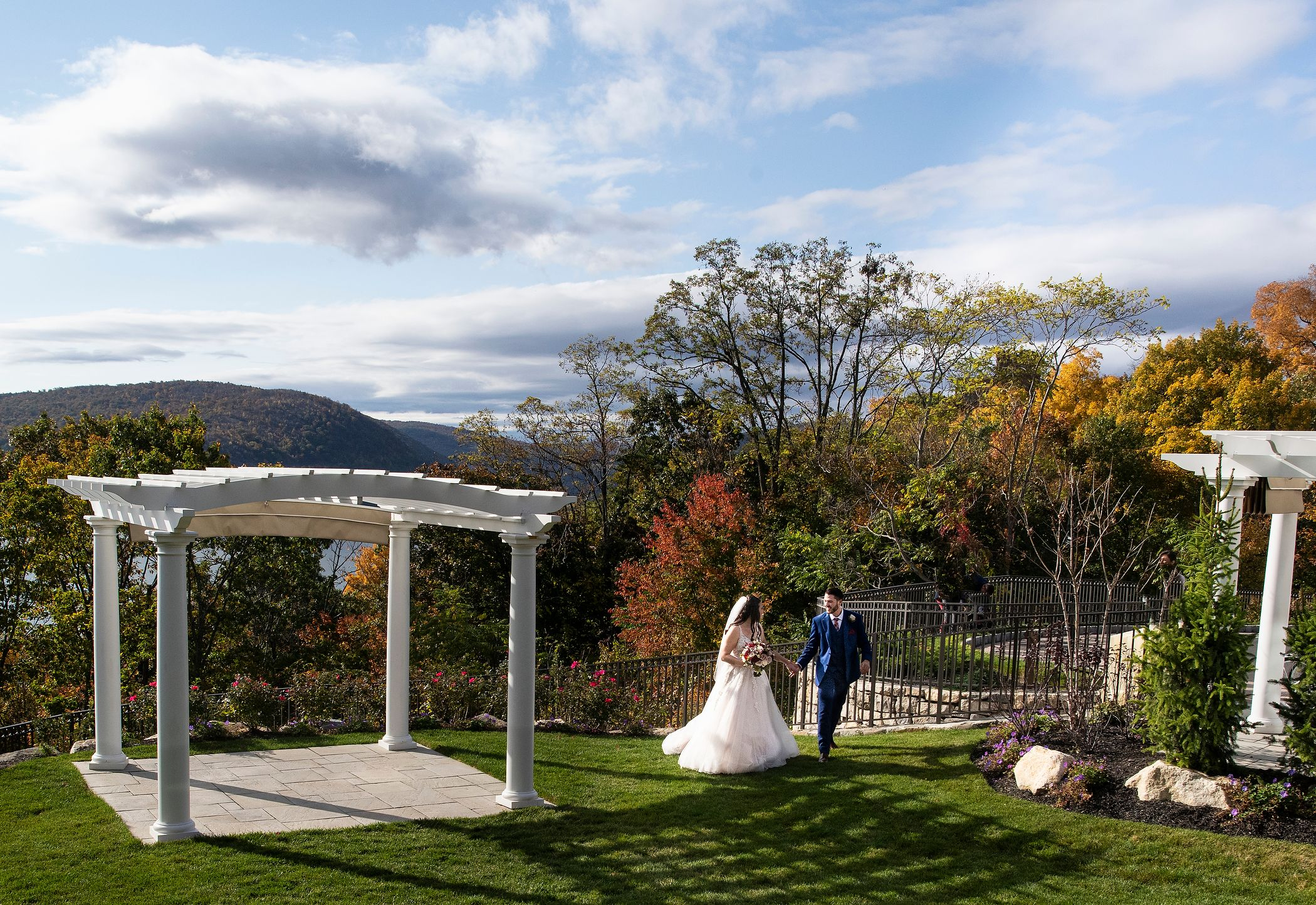 A Glorious Autum Hudson Valley Mini-Wedding
