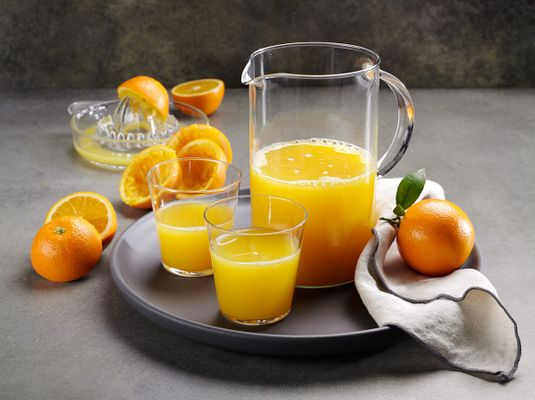 SUN01_NavelJuice1_Pitcher.JPG
