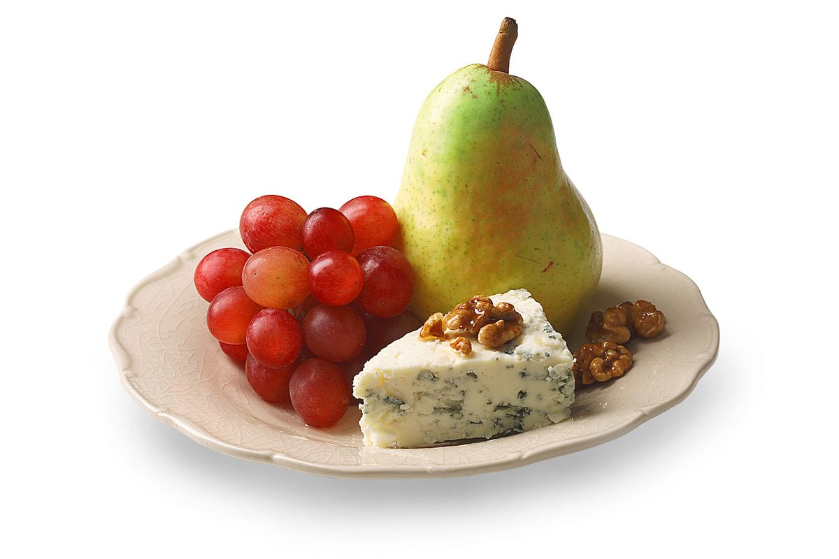 083011102530_1pearnutcheesegrapes1.jpg