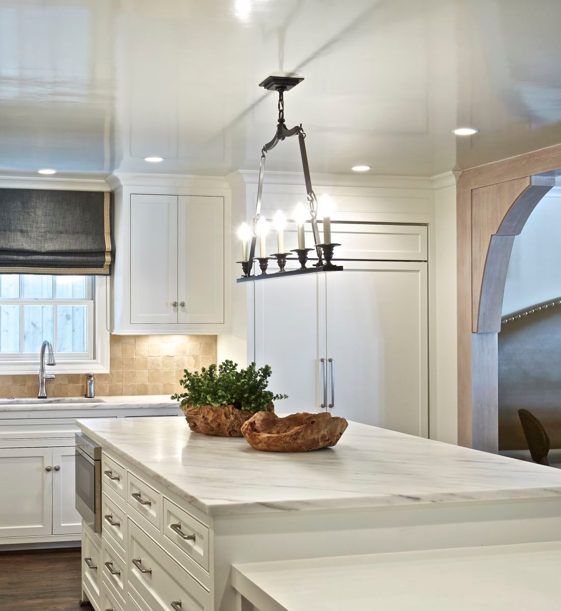 1r4504_belclaire_kitchen_counter.jpg