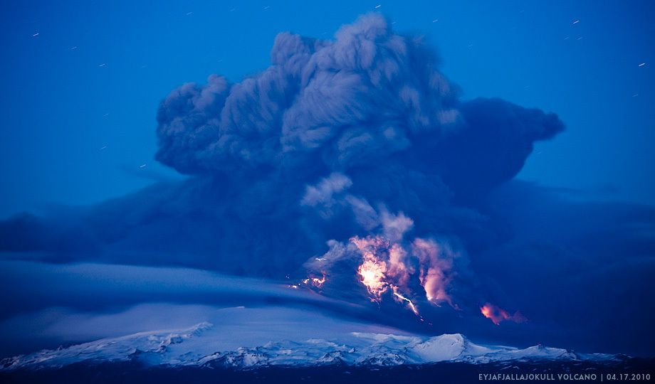 Iceland, Hvolsvelli,  Lightning flashes in cloud of volcanic ash during Eruption of Eyjafjallajökull VolcanoEICV0085