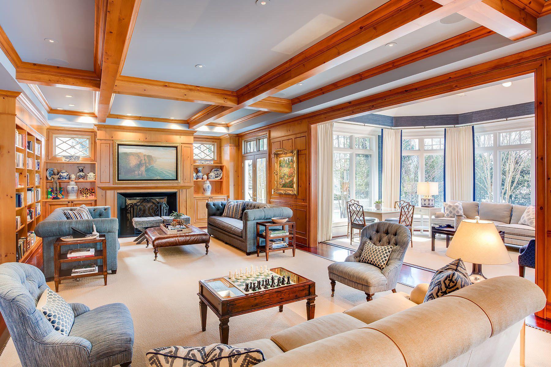 Becks_Residence_living_room.jpg