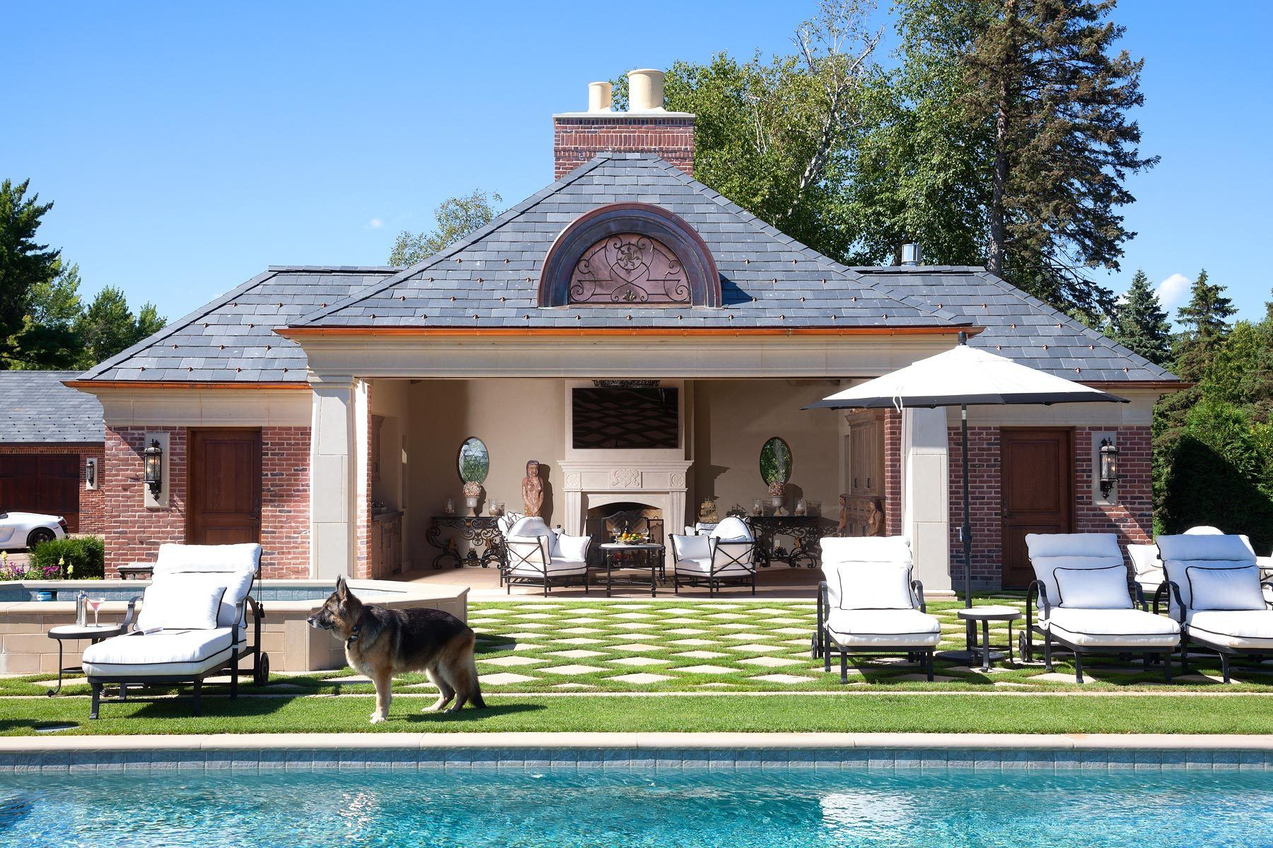 1estate_pool_house_gardens_wayzata.jpg