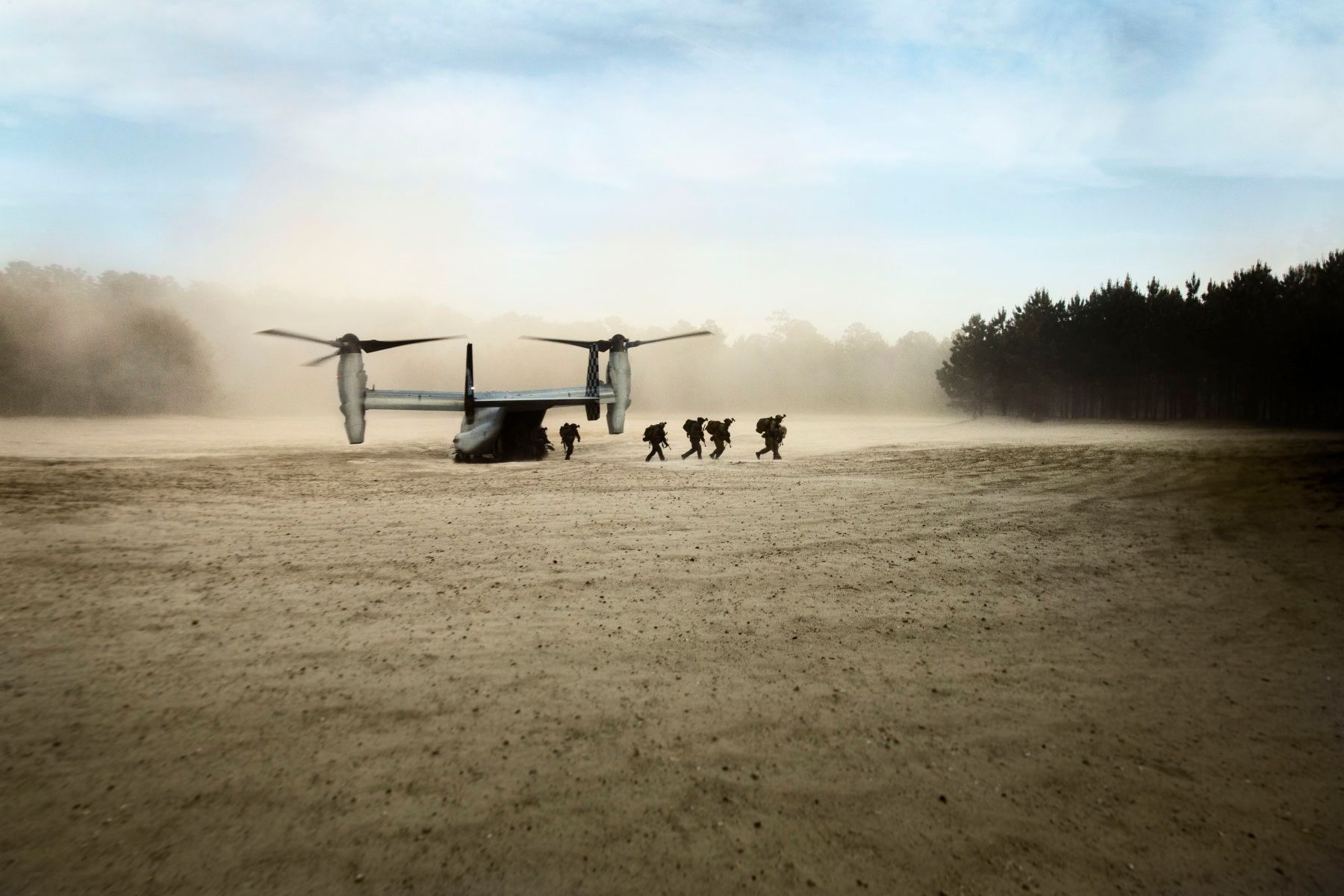 Marines Unload From Osprey Aircraft | Vance Jacobs Photographer