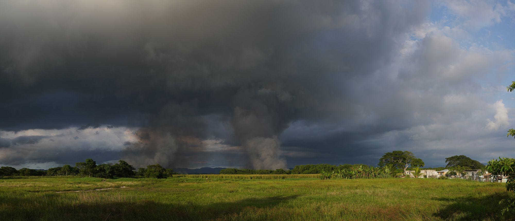 can-fire-near-carabarita-riverjpg.jpg