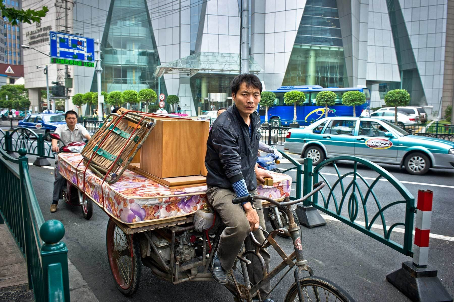Moving with Bicycle in Shanghai